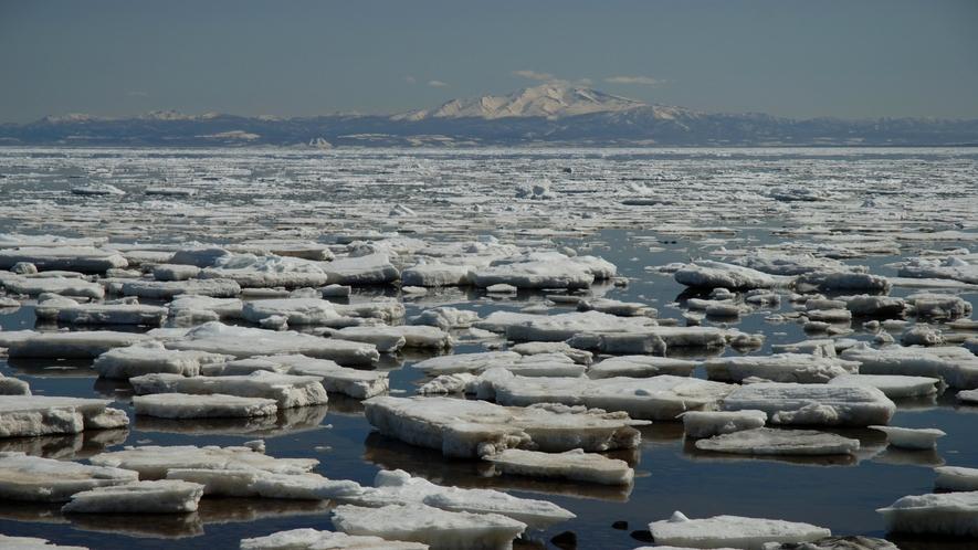 ♦オホーツク海流氷&知床連山♦
