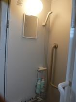 個室シャワーは、ちゅうり棟のみ完備 ☆もちろん両棟シャンプー、リンス、ボディシャンプー、洗顔完備