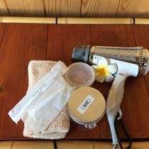 歯ブラシ、クシ、ドライヤー、 綿棒、洗剤ももちろん完備