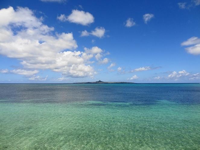 素敵な伊江島。車フェリーを使って伊江島たっちゅうへ。