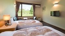 全客室ツインルーム+ロフト(3名以上はロフト部分に布団を敷いて対応いたします)