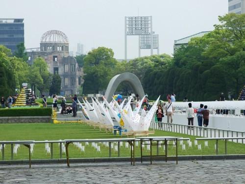 【平和記念公園】路面電車では「原爆ドーム前」電停で下車して下さい♪