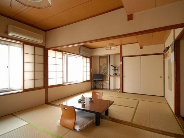 12畳の和室です〜6畳×2間で広々とお使い頂けます♪