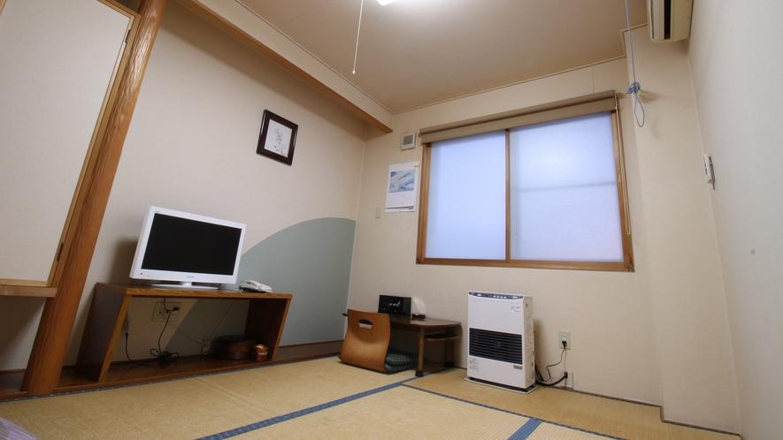 *【部屋/和室6畳】3名様までお寛ぎいただける和室です。