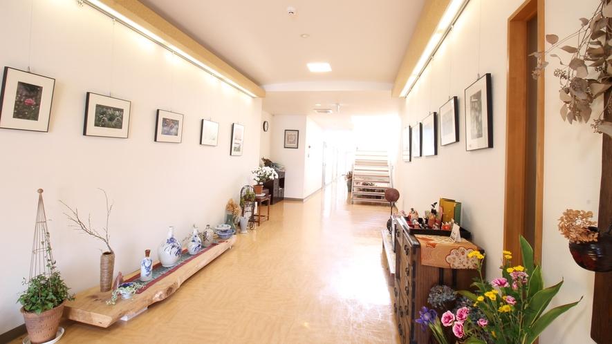*【施設/廊下】広々とした廊下。静かな時間が流れます。