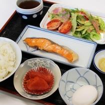 *【朝食全体例】朝ご飯は、1日の活力源!朝からご飯がススむメニューをご用意します。