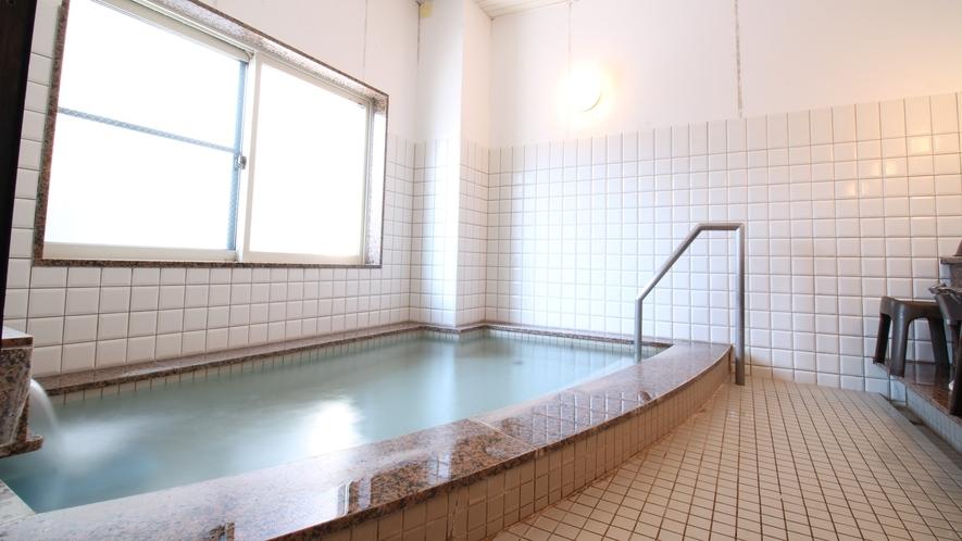 *【風呂】肩までゆっくり浸かって、1日の疲れをリフレッシュ!