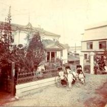明治29年、創業当時の松本ホテル花月