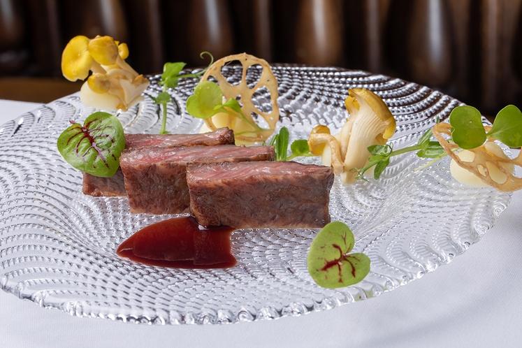 I;cazaコース肉料理イメージ