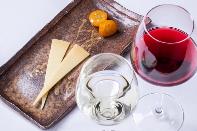アラカルト【チーズとワインのセット】