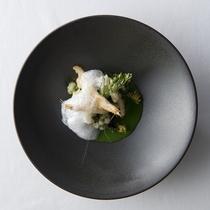 ディナーコース一例 氷見の白海老 菜の花スープ和え