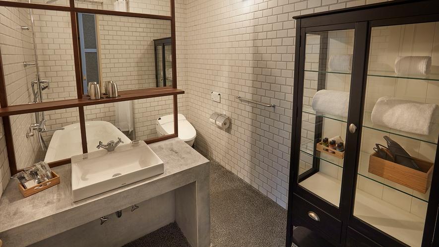 旧館デラックスツインルーム【浴室】