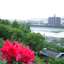 【山頂からの景色】球磨川が一望できます。
