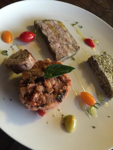 ディナーは沖縄イタリアンをコースで召し上がれ