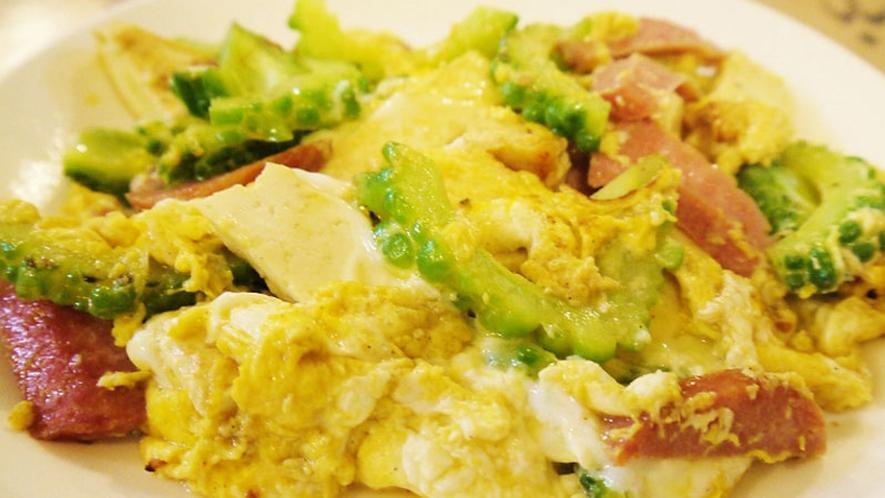【料理】沖縄の代表的な料理『ゴーヤチャンプルー』。ゴーヤはビタミン豊富で、苦味は食欲を増す働きも♪