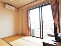 【客室】和室(定員1名様)。畳のお部屋でゆっくり、のびのびとお過ごしください。