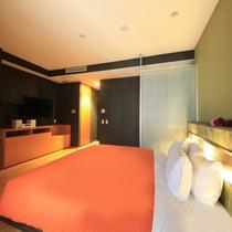 ~ベッドサイズ180cm×195cm~洋室キングベッド