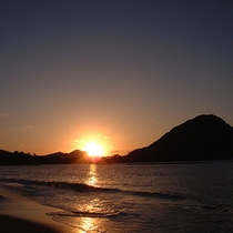 夕陽百選に選ばれている【菊ヶ浜の夕陽】