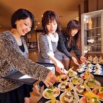 ■女性に好評♪無料の【Welcomeプチケーキ&コーヒー】(イメージ)