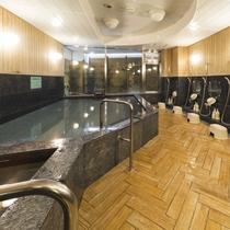 男性大浴場/広々とした大浴場は一日の疲れが癒やされると好評です!