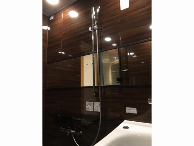 デラックス バスルーム③