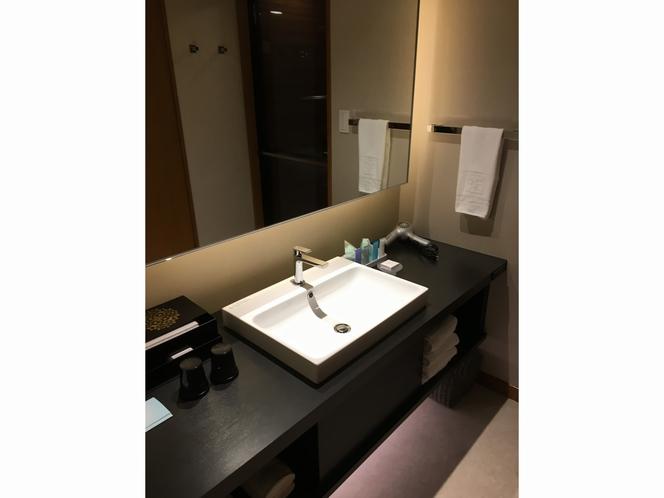 デラックス バスルーム①