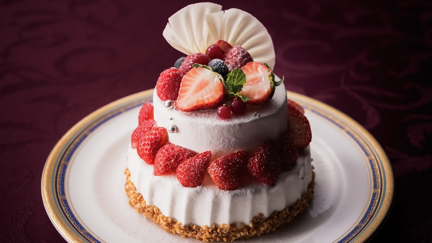 Episode Ⅱ 〜ホテルパティシエが贈るホールケーキとスパークリング付〜