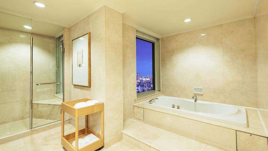 【ラグジュアリーフロア】最上階34階 クラウンスイート(バスルーム)