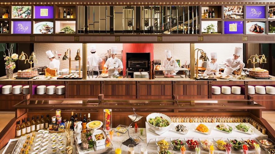 1階 ビュッフェ&カフェレストラン「ナイト&デイ」