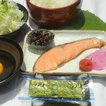 【和朝食一例】朝食は和か洋かお選びいただけます。お料理には名水≪うちぬき≫使用しております♪