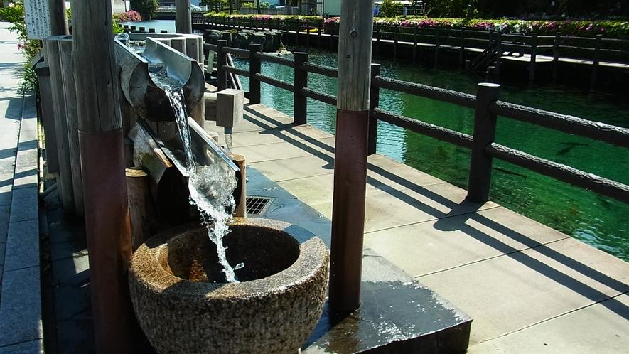 *【うちぬき水】名水100選、全国一位にも選ばれた名水≪うちぬき≫。無料で汲むことができます。