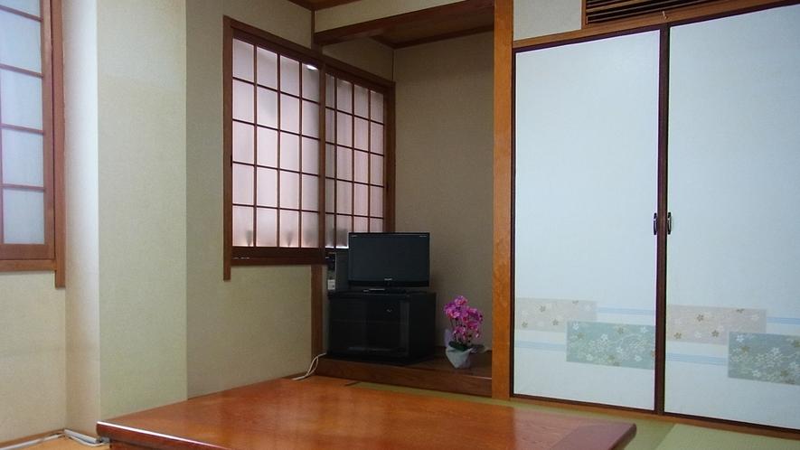 *【和室8畳一例】こちらのお部屋はバス・トイレがセパレート。ユニットバスが苦手な方にお勧め。