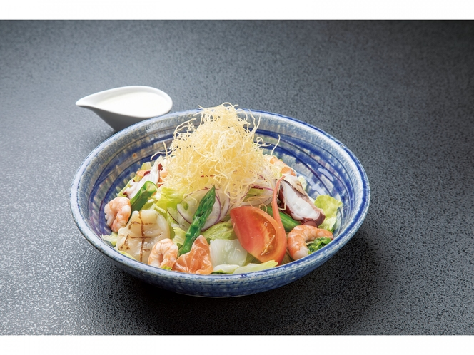 【すし波奈まとい亭】海鮮シーザーサラダ