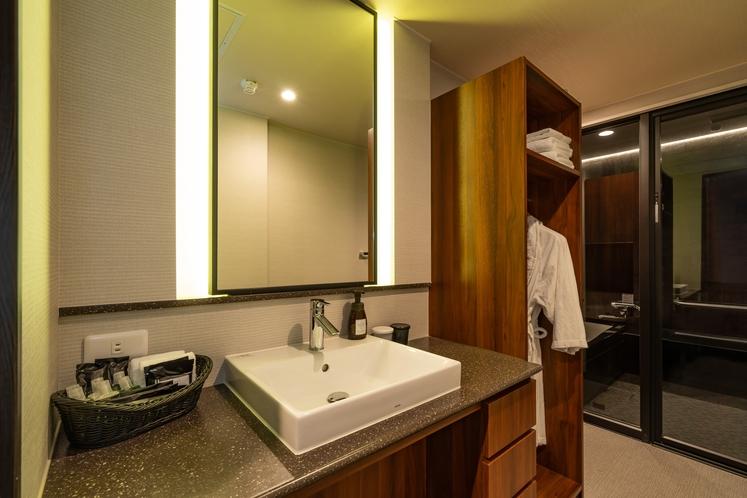 (西館セミスイートツイン)広々使いやすい洗面台