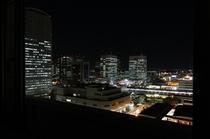 海浜幕張駅方面の夜景
