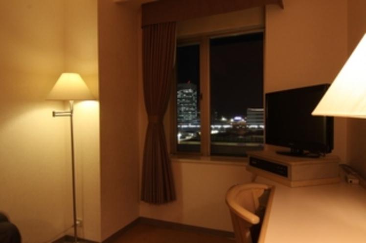 シングルルームからの夜景