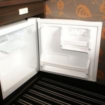 全室空の冷蔵庫