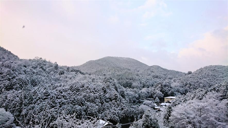 鷹峯の山々