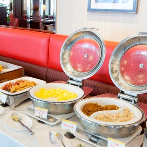 和洋40種品目の朝食バイキング