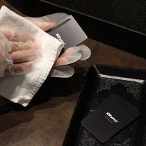 返却いただきましたお部屋のカードキーは毎回除菌しております。