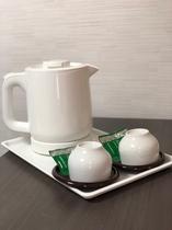 電気ケトル♪緑茶パックつき、カップラーメンなどにもご利用下さい♪
