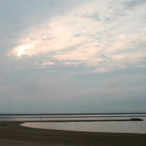 施設周辺の海岸