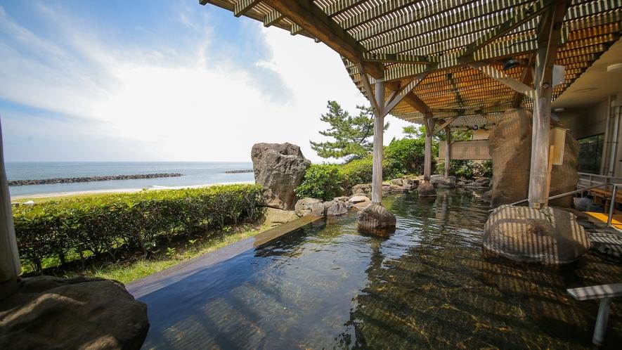 殿方の雄 大浴場露天風呂