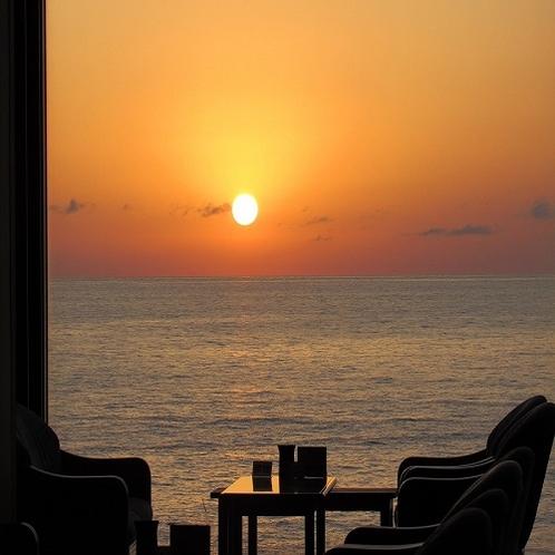 日本海に沈む夕日(5月)