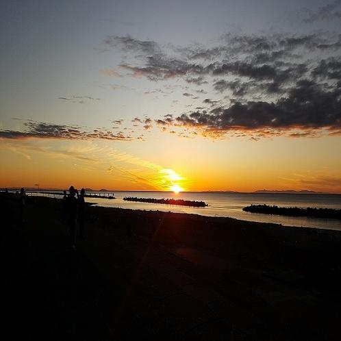 日本海に沈む夕日(11月)