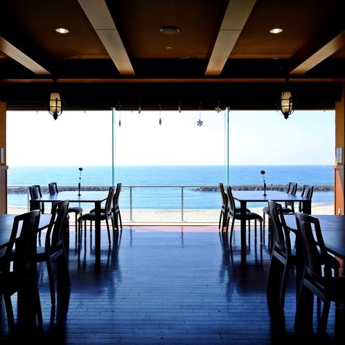レストラン「波の華」