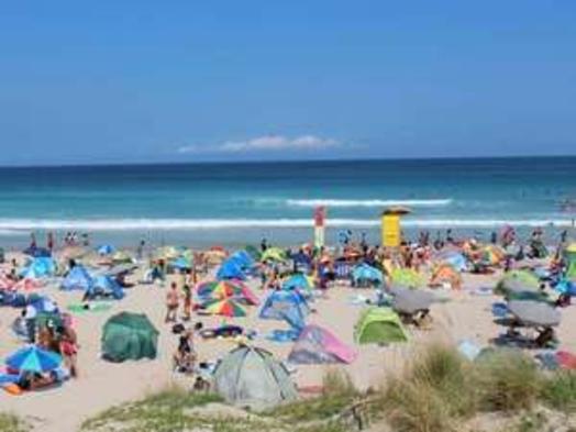 ●今年の夏も白浜海岸で泳ごう♪歩いて2分転けて3分!天然温泉掛け流し露天風呂