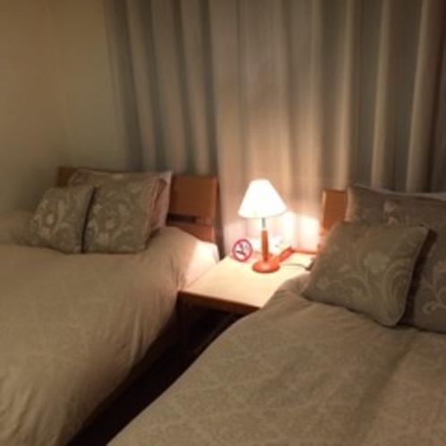 【コネクティングルーム】*ツインベッドの洋室&和室6畳の2間続きのお部屋*