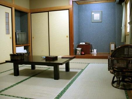 【禁煙】 和室12畳 (トイレ付)