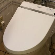 シャワートイレ完備